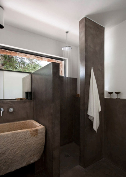 sala-da-bagno-vano-doccia-e-lavabo